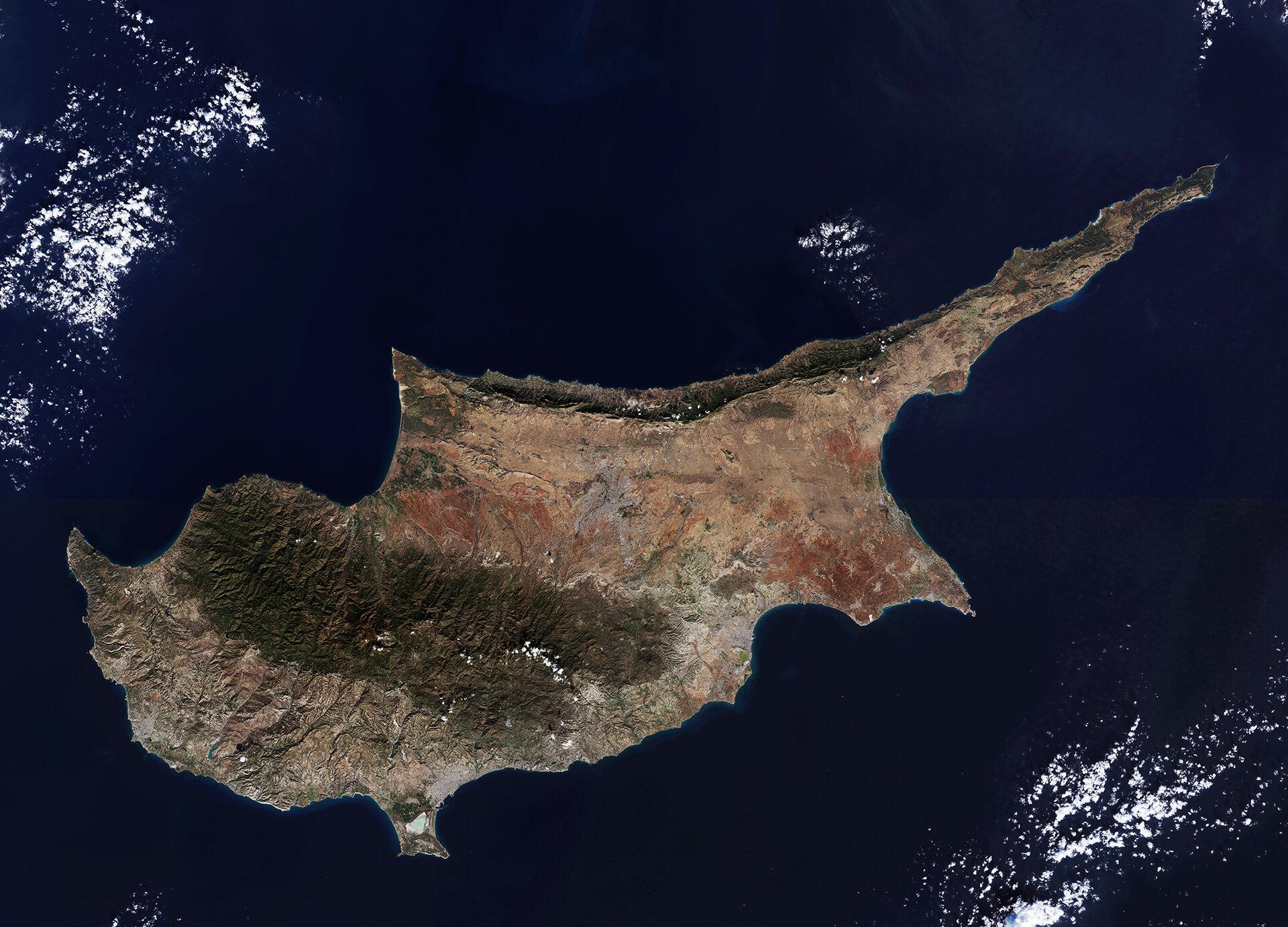Инвестиционная программа на Кипре Hadjivangeli Русскоязычный адвокат на Кипре Паспорт Кипра